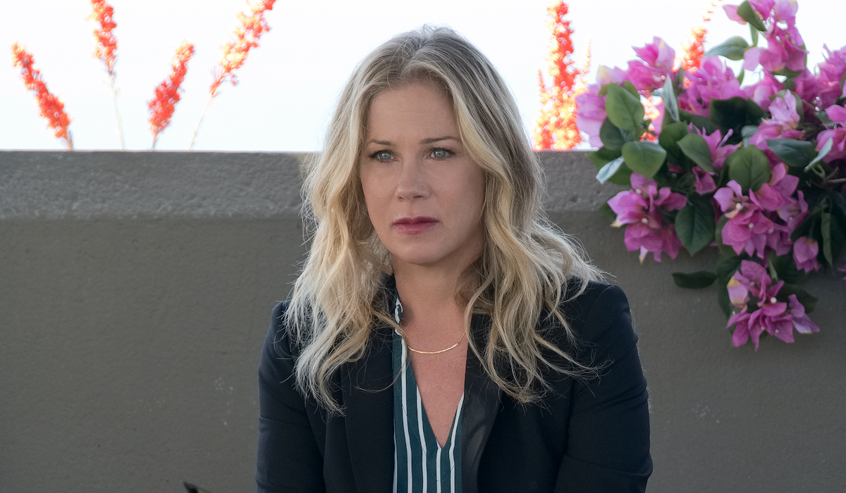 netflix dead to me christina applegate in meeting