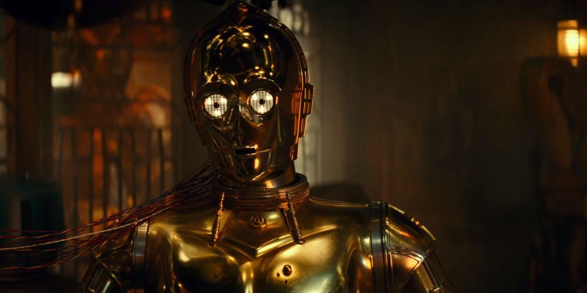 C-3PO in Babu Frik's workshop