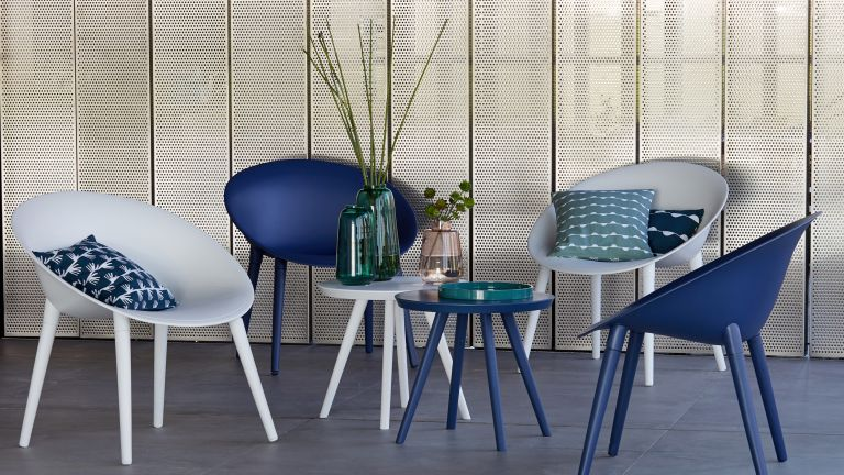 blue and white bistro sets