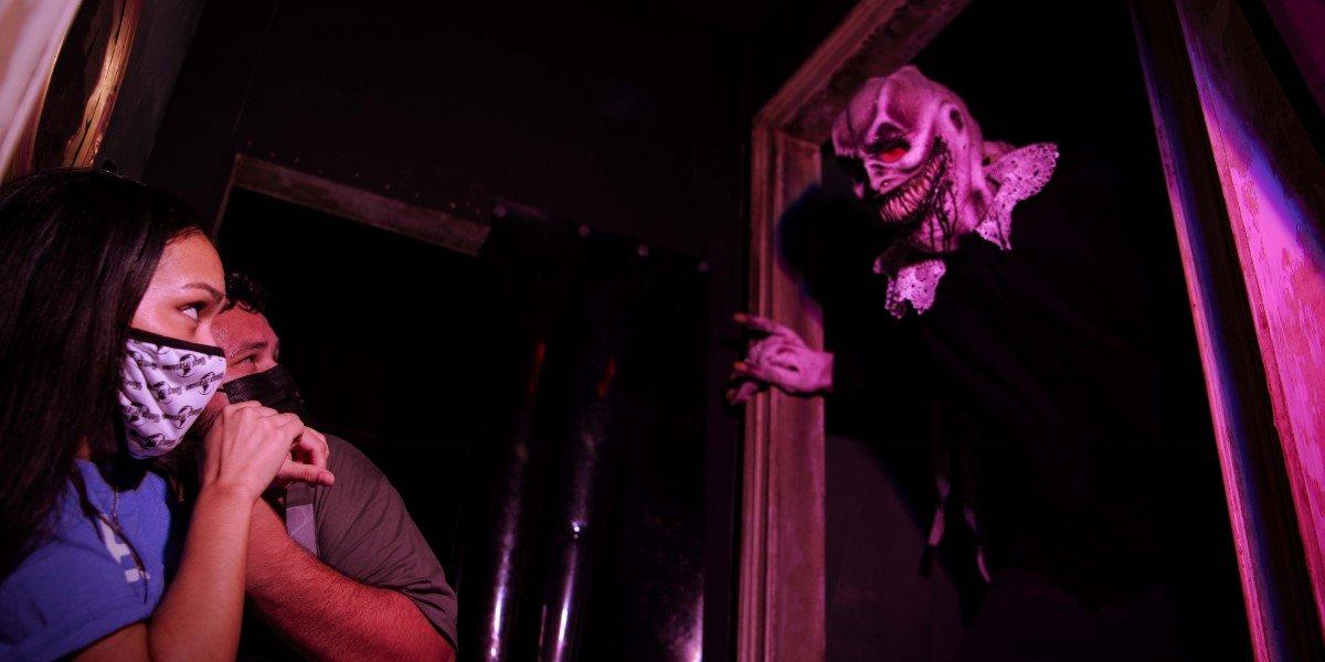 monster inside hhn icons: captured maze at universal orlando's halloween horror nights