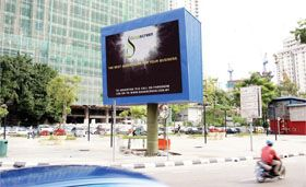 Out of home advertising : Big-screen commercials in k.l.