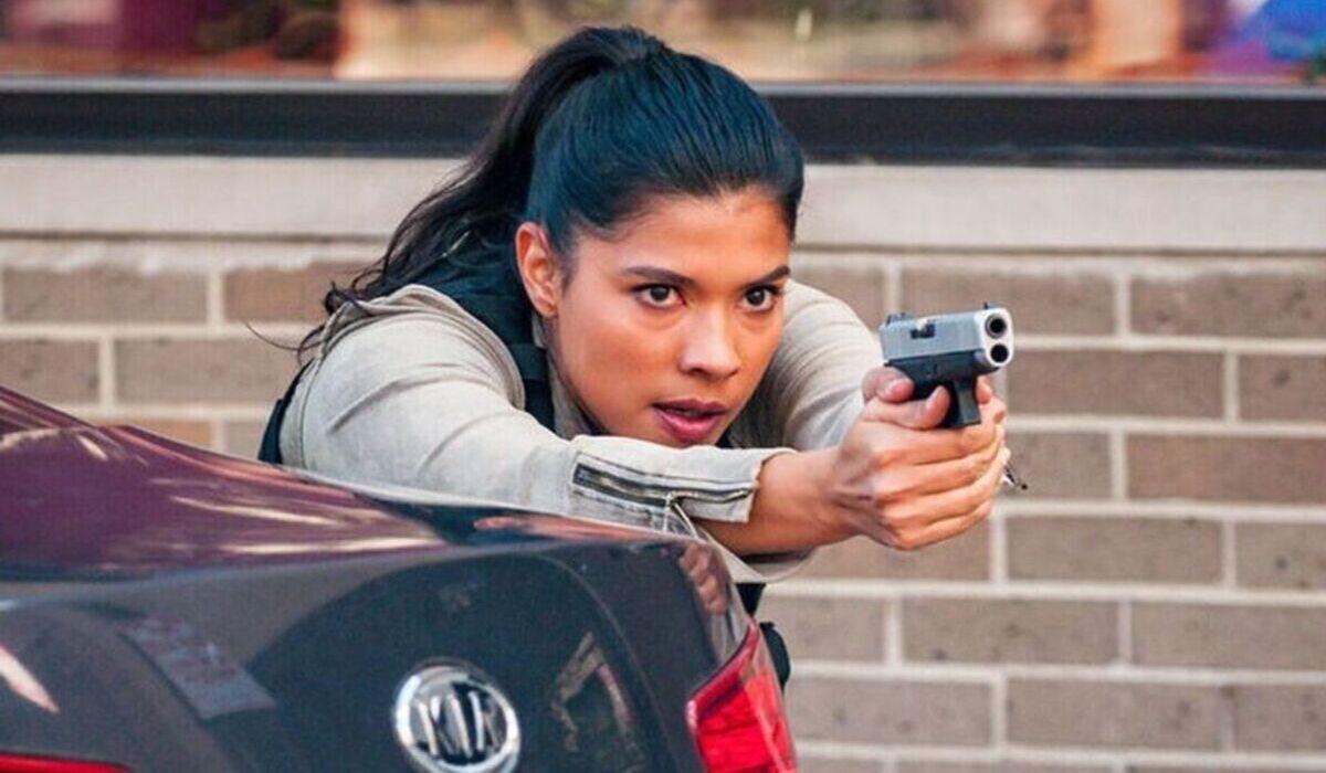 chicago pd season 7 rojas gun drawn nbc