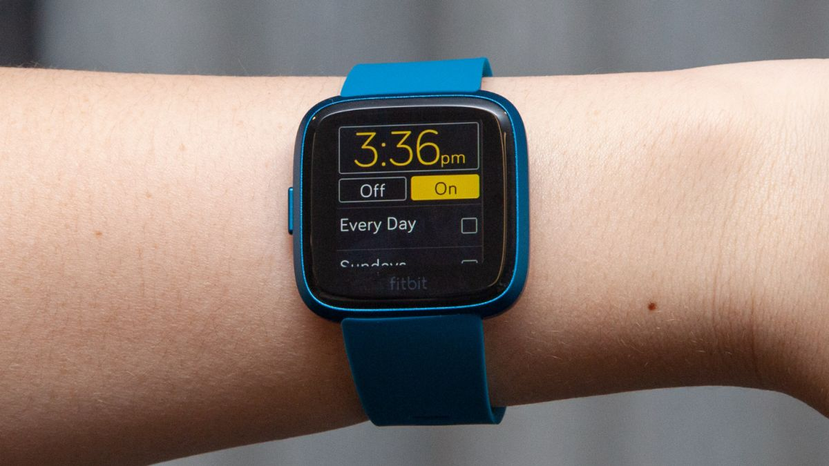 Fitbit Versa Lite Review: Stripped-Down Smartwatch Nails the