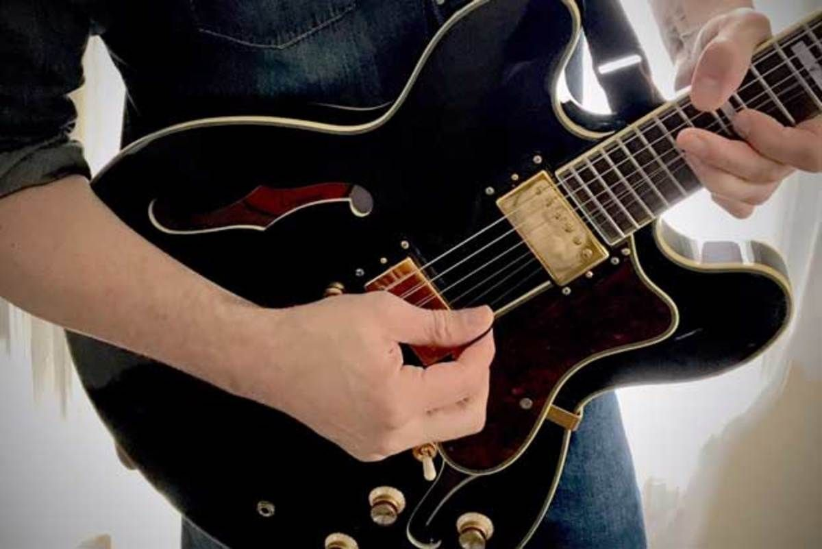 Expand Your Soloing Vocabulary with the Half-Whole Symmetrical Diminished Scale