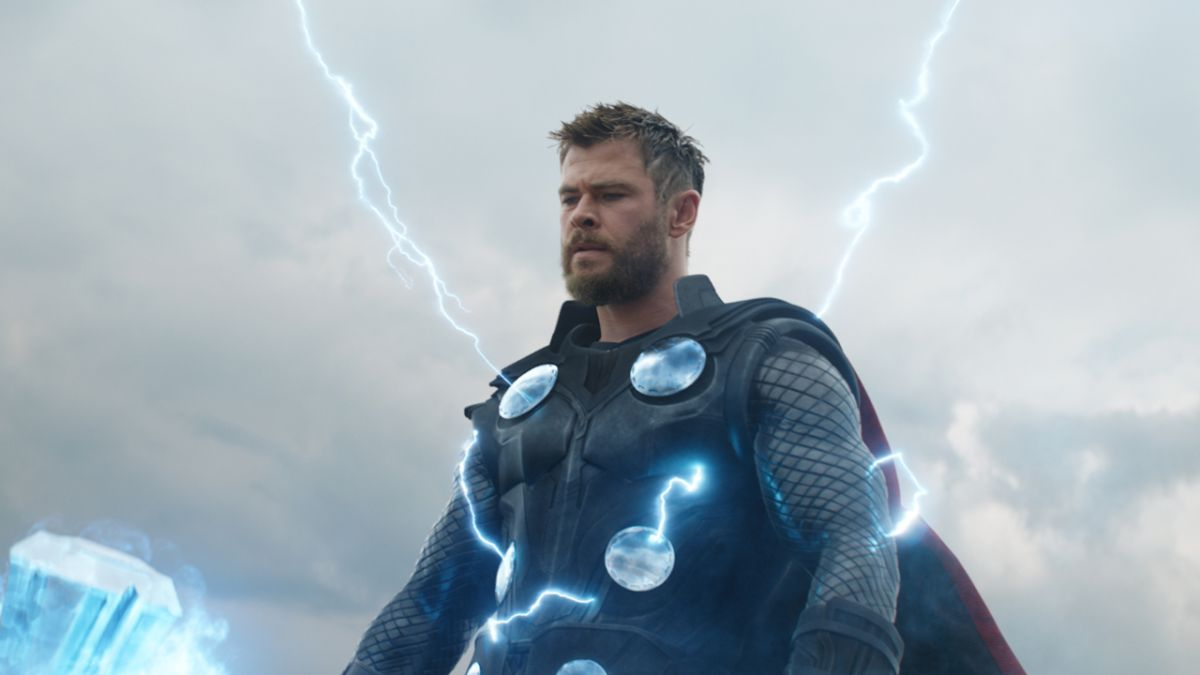 """Avengers: Endgame deleted scenes and """"an even longer"""" final battle exist according to the movie's writers"""