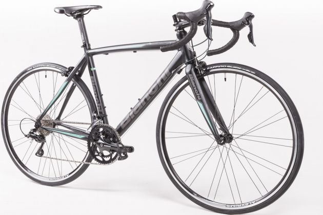9bb6276262c Full profile shot of the Bianchi Via Nirone 7