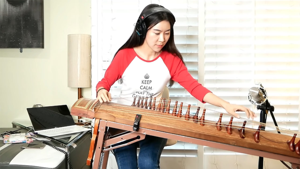 AC/DC's Thunderstruck on a traditional Korean instrument will blow you away