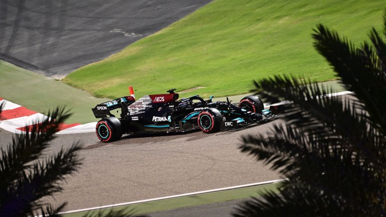 Lewis Hamilton - Bahrain Grand Prix live stream F1