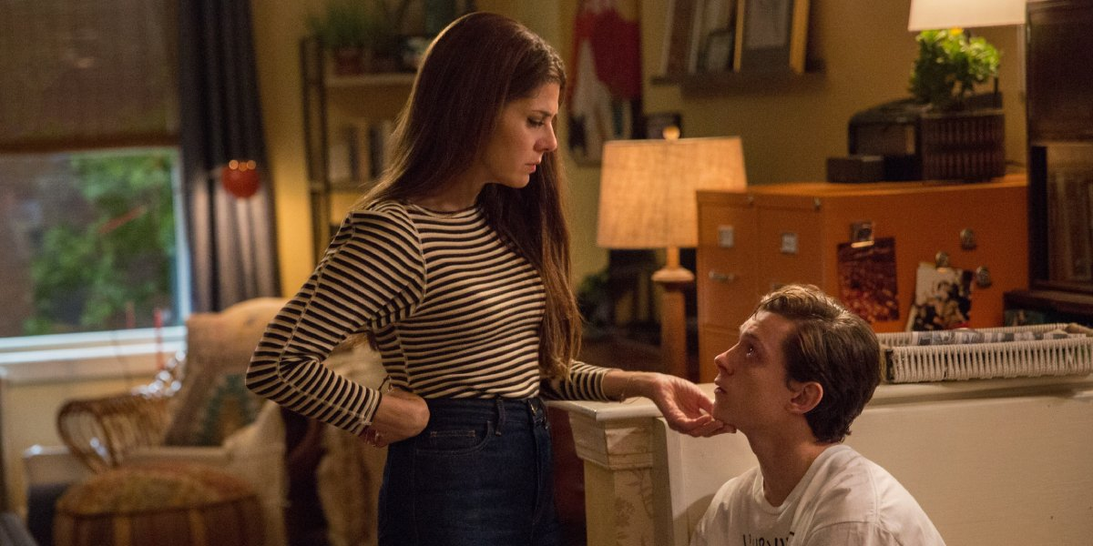 Marisa Tomei and Tom Holland in Spider-Man: Homecoming