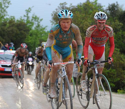 Alexandre Vinokourov and Stefano Garzelli, Giro d'Italia 2010, stage 7