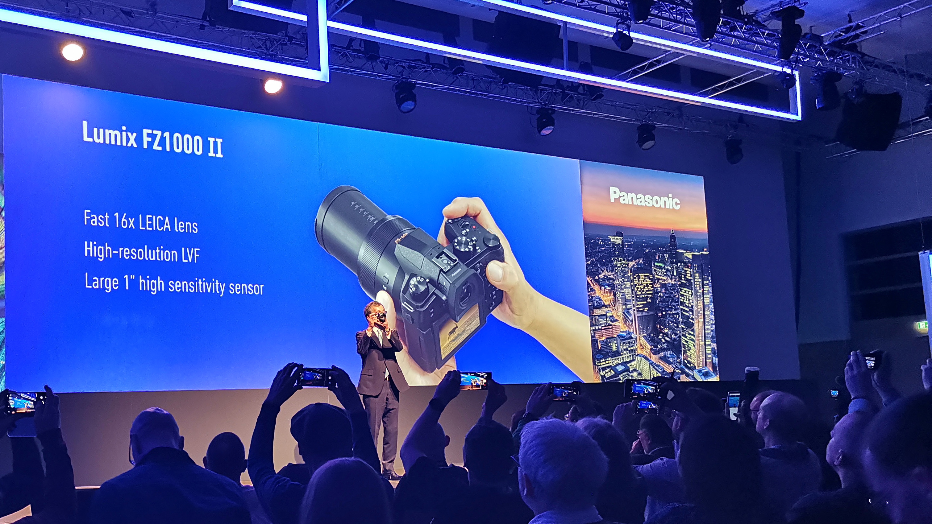 Panasonic Lumix DMC-FZ1000 II announced: same 20.1MP, 4K video, 16x zoom as FZ1000