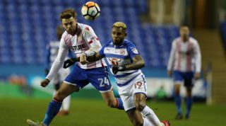 Kit Clash In Reading S Fa Cup Tie Results In A Half Time Strip