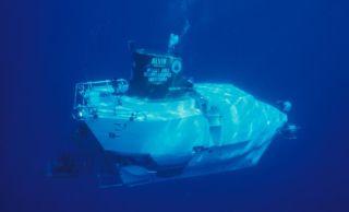alvin-underwater-101216-02