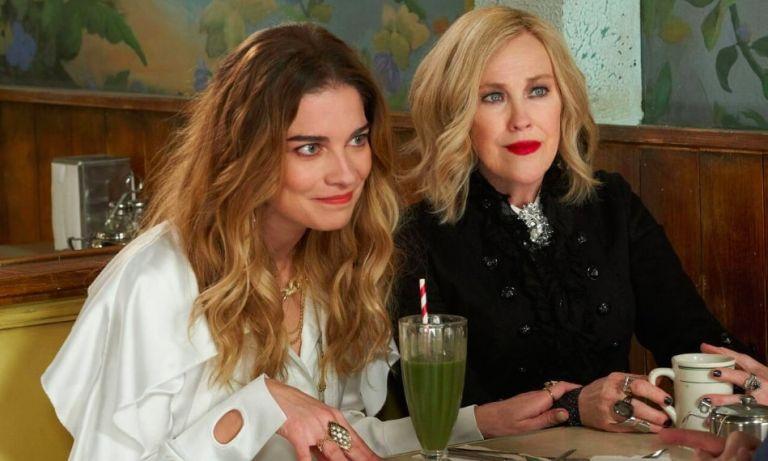 "Annie Murphy, Catherine O'Hara, ""Schitt's Creek"" (2020) Season 6, fashionable TV shows"