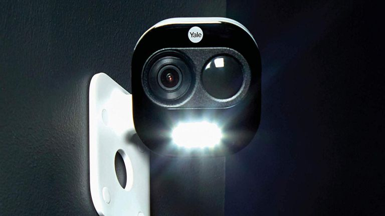 Yale All-in-One Outdoor Camera