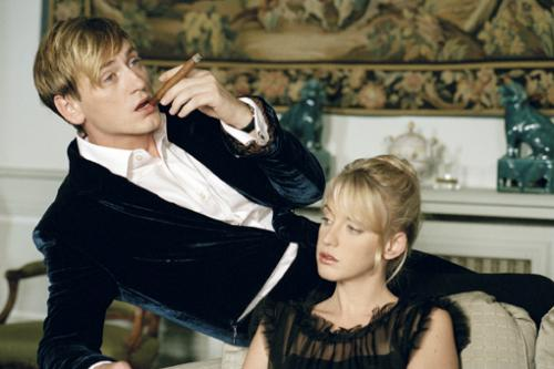 The Girl Cut in Two - Benoît Magimel as Paul Gaudens and Ludivine Sagnie as Gabrielle Deneige in Claude Chabrol's darkly comic thriller