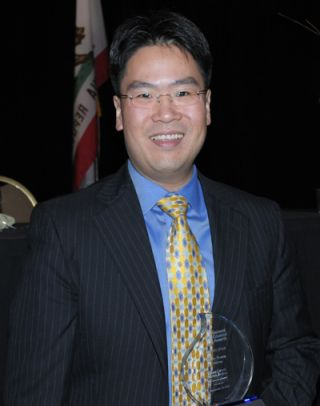 "VIZIO'S Jerry Huang Wins ""Rising Star Award"" for Legal Accomplishments"