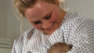 Tracy gives birth in Emmerdale