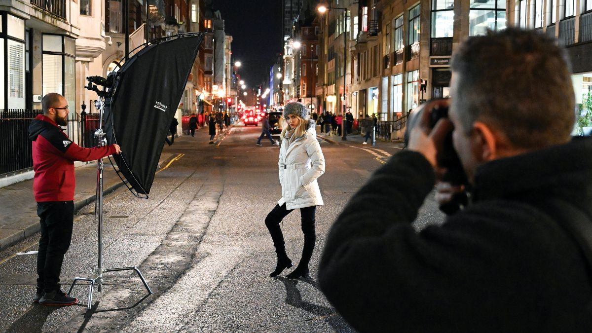 Low light photography: shoot seasonal portraits and holiday headshots