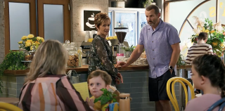 Neighbours spoilers, Toadie Rebecchi, Susan Kennedy, Melanie Pearson all chat in Harolds.