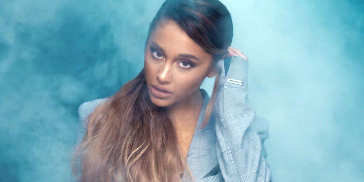 """Ariana Grande - """"Breathin"""""""