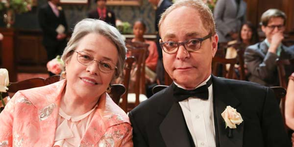 First Look At The Big Bang Theory Bringing Amy S Mom Back Cinemablend