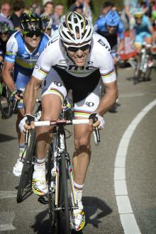 Philippe Gilbert (BMC) tries to get across on the Cauberg