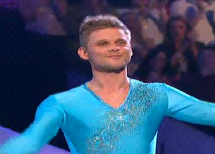 Dancing On Ice: Jeff in 'agony' after neck injury