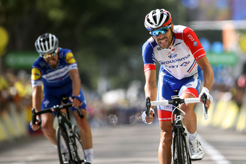 Tour De France Pinot Profits From Impromptu Alliance With Alaphilippe Cyclingnews