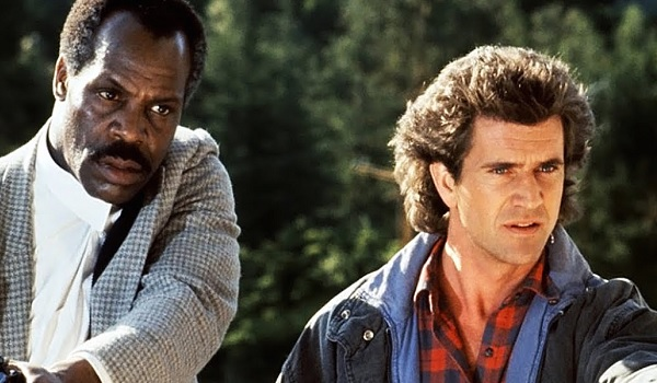 Lethal Weapon Danny Glover Mel Gibson talking things down
