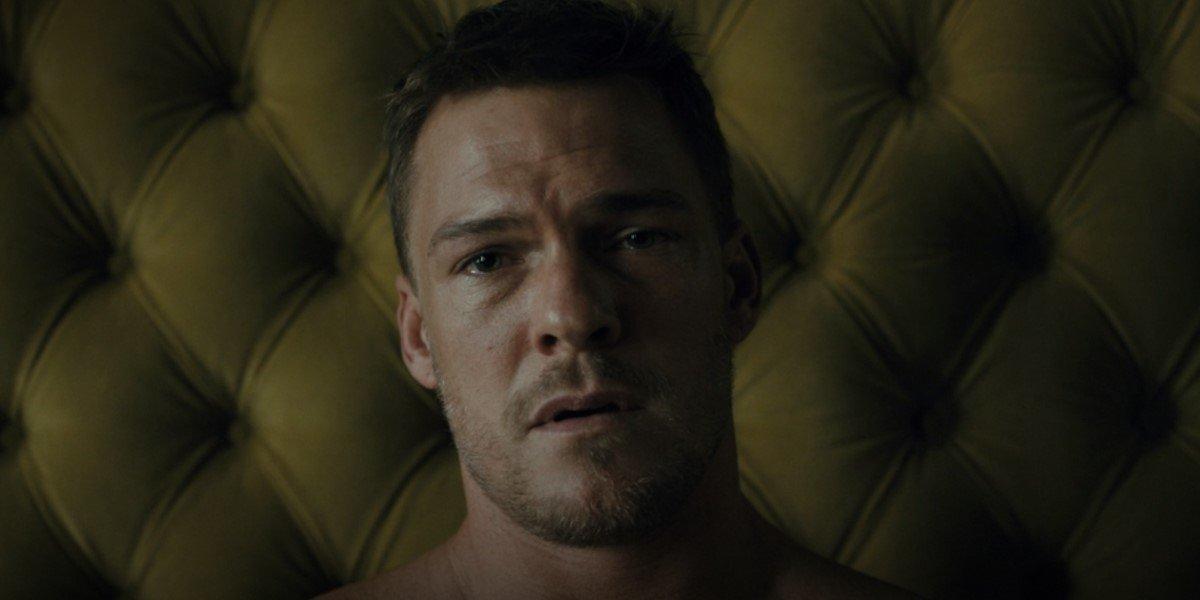 hank on his death bed in titans season 3