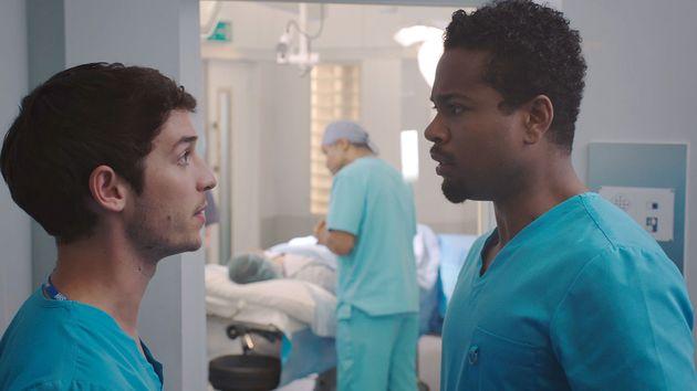 Holby Xavier se enfrenta a Cameron