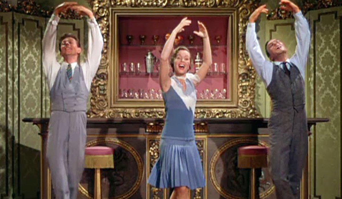 Singin' in the Rain trio dancing
