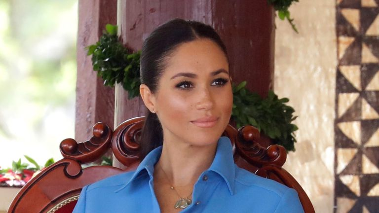 NUKU'ALOFA, TONGA - OCTOBER 26: Meghan Markle, Duchess of Sussex at Tupou College on October 26, 2018 in Nuku'alofa, Tonga. The Duke and Duchess of Sussex are on their official 16-day Autumn tour visiting cities in Australia, Fiji, Tonga and New Zealand. (Photo by Chris Jackson/Getty Images)