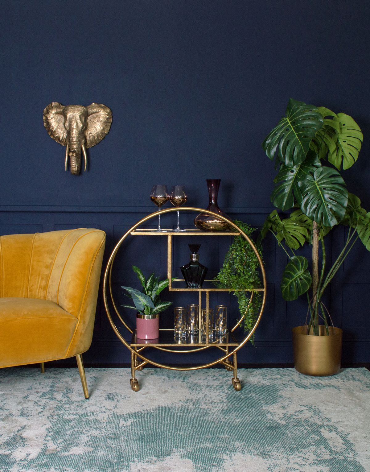 Bar Cart Ideas 10 Gorgeous Ways To Style Your Home Bar Cart Real Homes