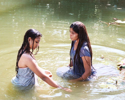 After Reading The Synopsis For Indian Movie The Journey I Have To Admit That My Expectations Werent That High Two Schoolgirls Fall In Love