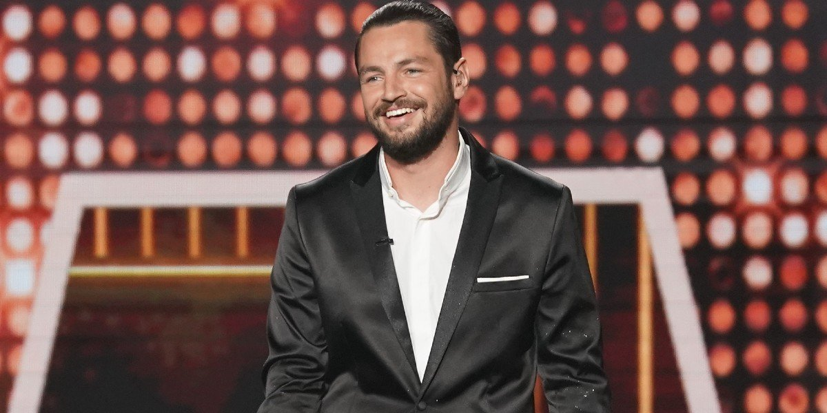Chayce Beckham smiling on American Idol ABC