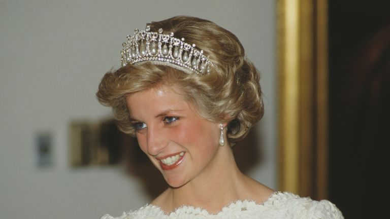 Princess Diana's jewelry is showcased as she attends a dinner at the British Embassy in Washington, DC, November 1985