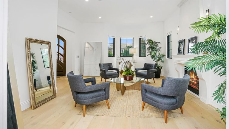 Serena Williams' house in Beverly Hills, large open plan living room