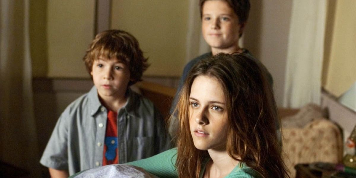 Kristen Stewart and Josh Hutcherson in Zathura