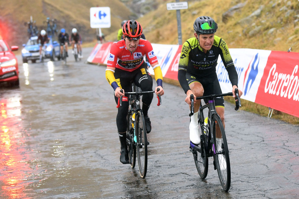 SALLENT DE GLLEGO SPAIN OCTOBER 25 Johan Esteban Chaves Rubio of Colombia and Team Mitchelton Scott Primoz Roglic of Slovenia and Team Jumbo Visma Red Leader Jersey Breakaway during the 75th Tour of Spain 2020 Stage 6 a 1464km stage from Biescas to Sallent de Gllego Aramn Formigal 1790m lavuelta LaVuelta20 La Vuelta on October 25 2020 in Sallent de Gllego Spain Photo by David RamosGetty Images