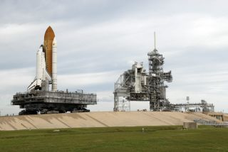 Shuttle Endeavour Swaps Launch Pads for November Liftoff