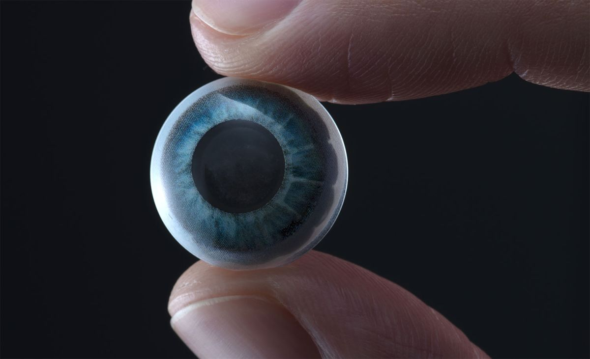 These 'smart' contact lenses have a built-in display for augmented reality