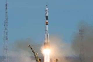 Liftoff for Expedition 51 Crew