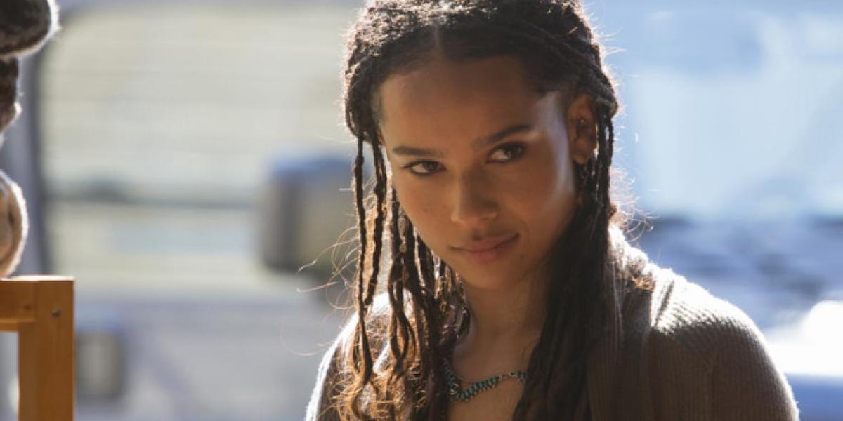 The Batman S Zoe Kravitz Cut Her Hair And Dc Fans Are