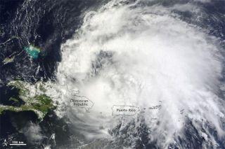 hurricane-irene-110822-02