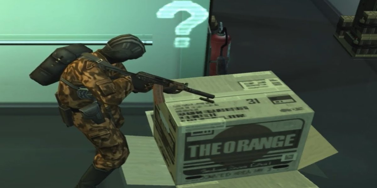 Solid Snake hiding in a box in Metal Gear Solid 2: Sons of Liberty