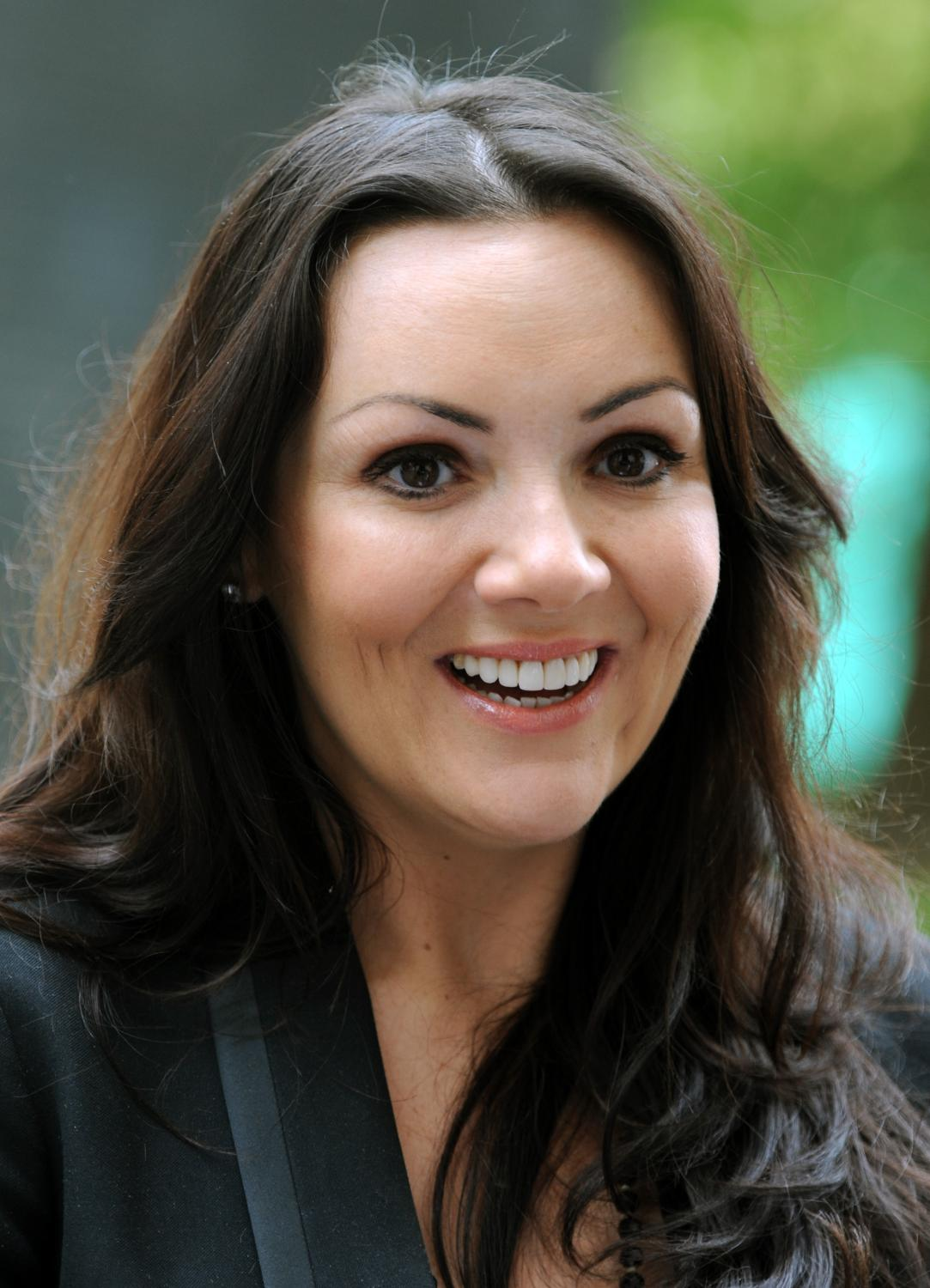 Martine Mccutcheon Declared Bankrupt News Eastenders What S On Tv