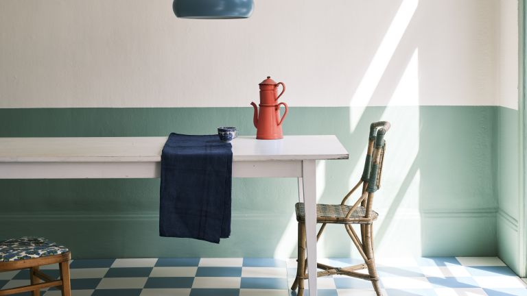 Breakfast Room Green in a kitchen painted by Farrow & Ball