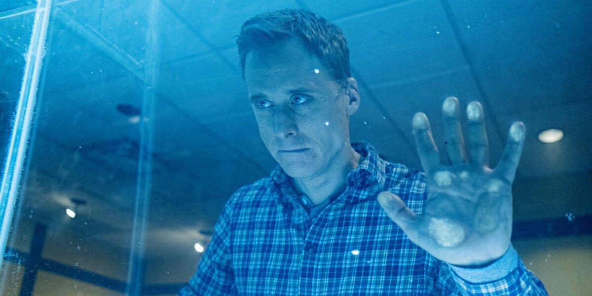 resident alien season 1 alan tudyk harry syfy